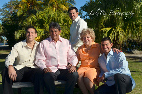 20121222_Gomez-Family-Portraits-12-22-12_6322-copy