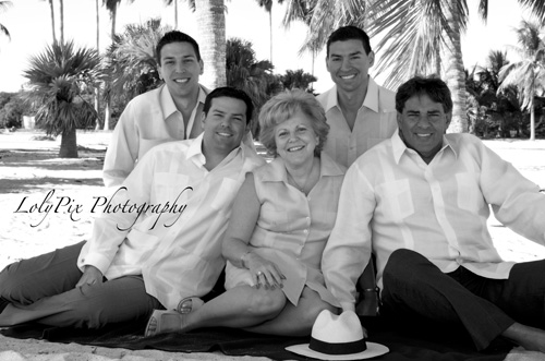 20121222_Gomez-Family-Portraits-12-22-12_6372-copy1