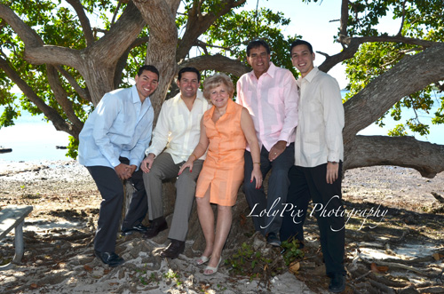 20121222_Gomez-Family-Portraits-12-22-12_6388-copy