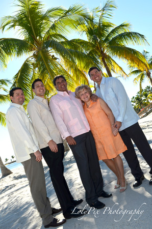 20121222_Gomez-Family-Portraits-12-22-12_6512-copy